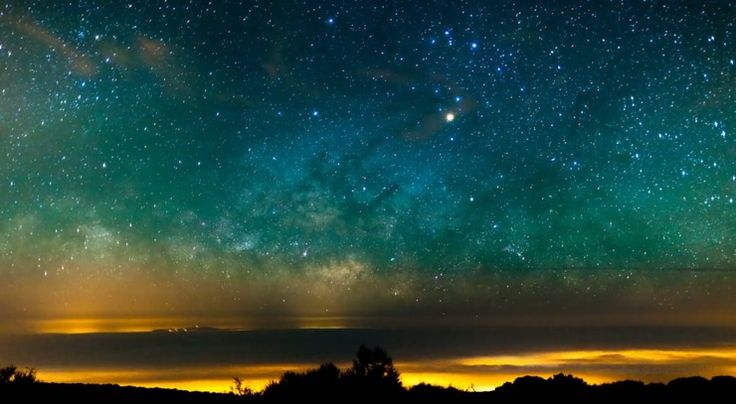 Surreal Milky Way Time-Lapse Video Captures Mother Nature's Perfection