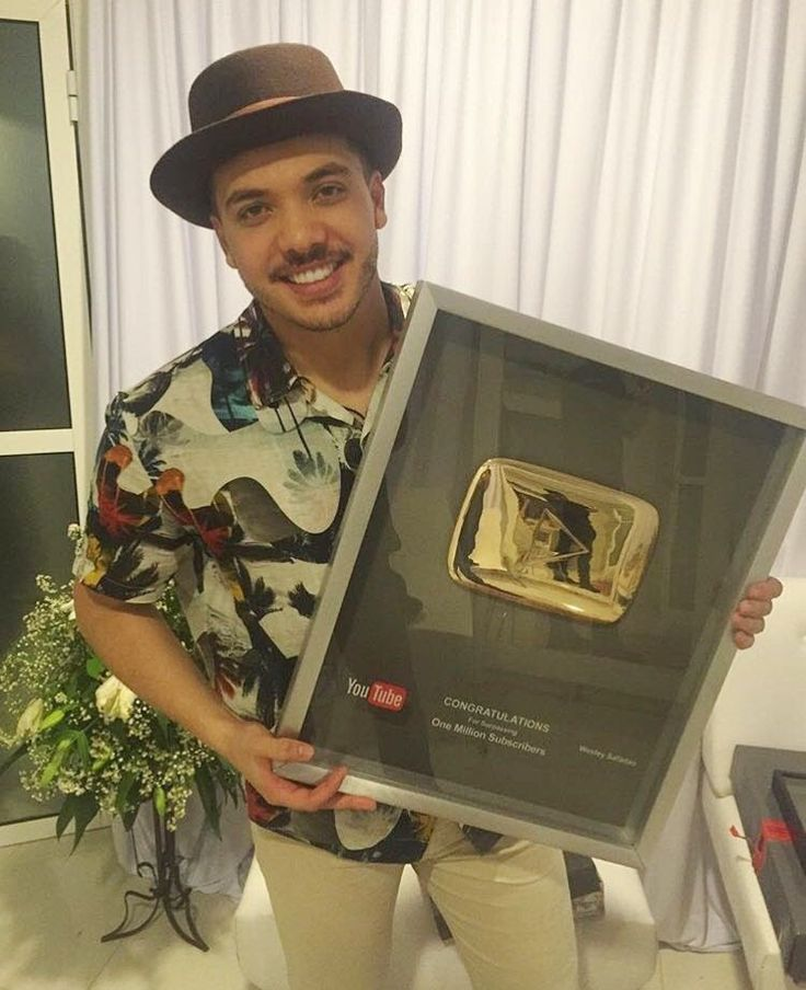 Whindersson Nunes invade canal de Wesley Safadão no YouTube; cantor bate marca de 1 MI de inscritos