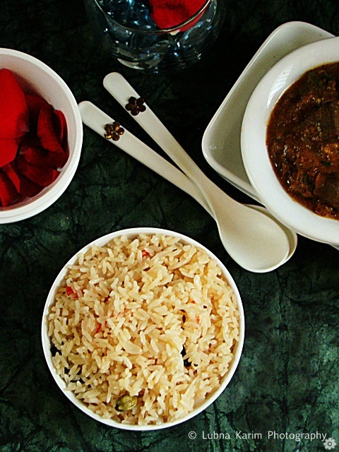 Jeera - Tomato Pulao - A fragrant cumin flavored tomato pilaf.....