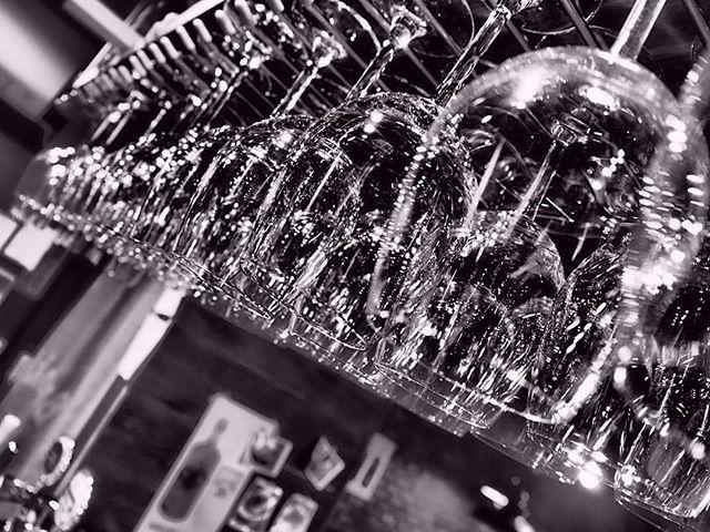 今日は静かな夜 ワイングラス🍷を更にピカピカにしました。  #2KADO #富山 #駅前 #富山駅前 #創作料理 #肉 #ワイン #ビール #洋食 #居酒屋 #洋風居酒屋 #レンガ #飯屋 #ビール #ハイネケン #女子会 # #2kado #二軒目 #グラス #インスタ映え
