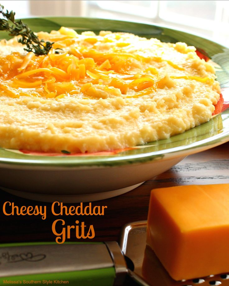 Cheesy Cheddar Grits - It will likely come as no surprise, when I say that grits are a Southern staple. They are to a Southerner what polenta is to an Italian.
