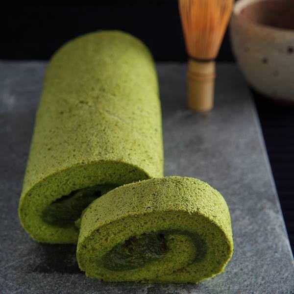 matcha roll cake (Green tea Swiss roll) For Swiss Roll Cake: 3 egg ...