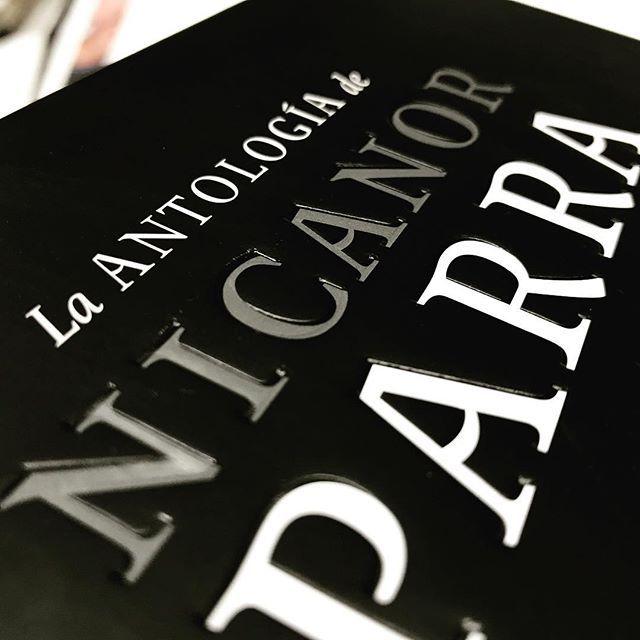 Cuño + Impresión para titular de libro tapa dura 📚! #cuño #cuñobajorrelieve #libros #tapadura #ideas #ideascreativas #diseñografico #diseñoeditorial #felizlunes #aimpresores