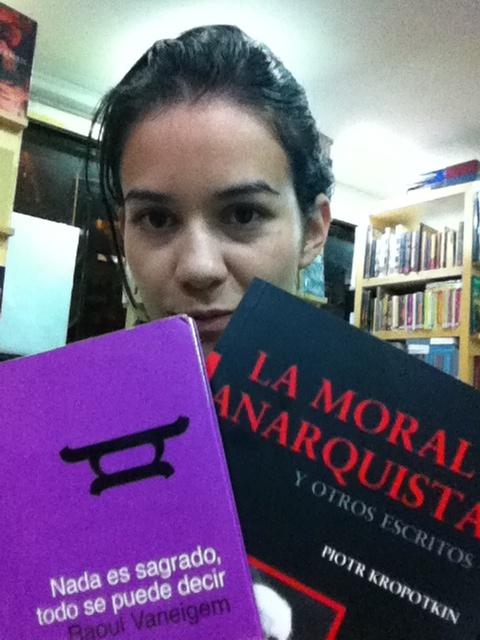 Los libros que compre hoy. Quede antojada del Falansterio de Fourier, Etica son moral de Adela Cortina y El unico y su propiedad de Max Stirner.