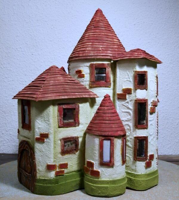 Come costruire un castello con le bottiglie di plastica ...