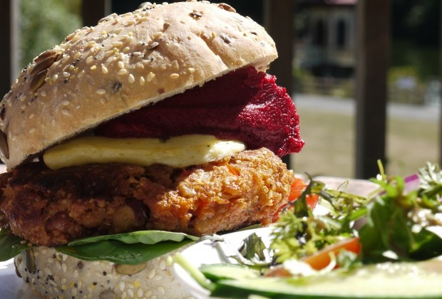 Rata Cafe's Burger Wellington 2013 entry: Quinoa and bean patty, with Zany Zeus grilled halloumi, zesty tomato salsa, and beetroot hummus on a Pandoro multigrain bun. #WellyOnaPlate #DINEWellington