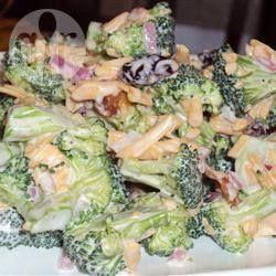 Salade au brocoli crémeuse @ qc.allrecipes.ca