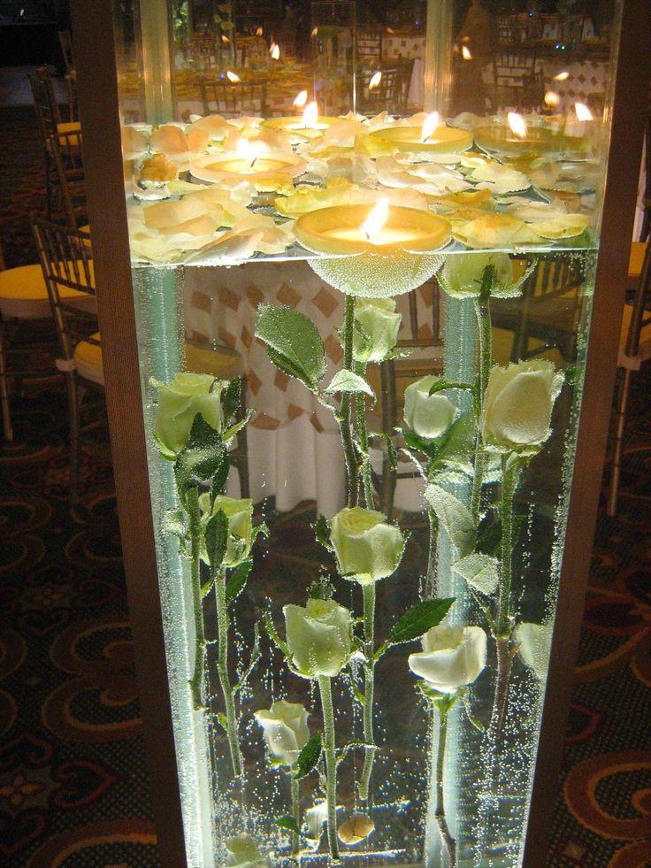 candles and roses: Arrangemnt Ideas, Rose Color, Lanterns Candles, Diy Crafts, Floating Centerpieces, Rose Wedding Centerpieces, Centerpieces Inspiration, Red Roses, Flower