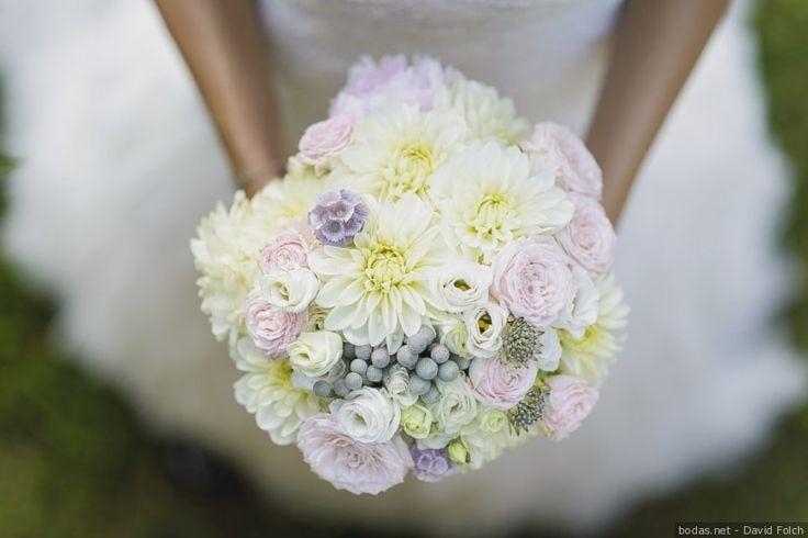 Ramos de novia para tu boda    Wedding bouquets #wedding #bride #colour #flowers