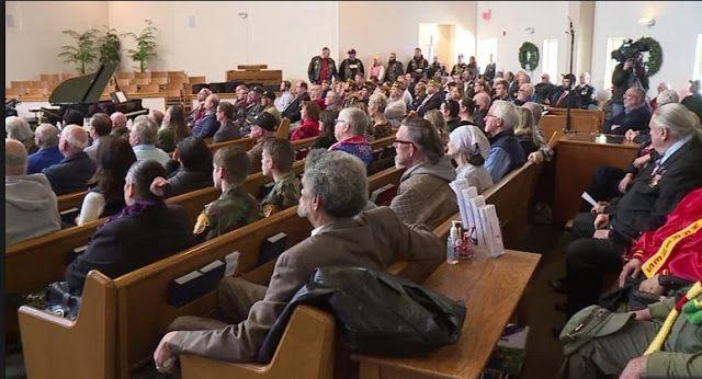 Crowd Of Strangers attend funeral of 'abandoned' Vietnam veteran, Purple Heart recipient