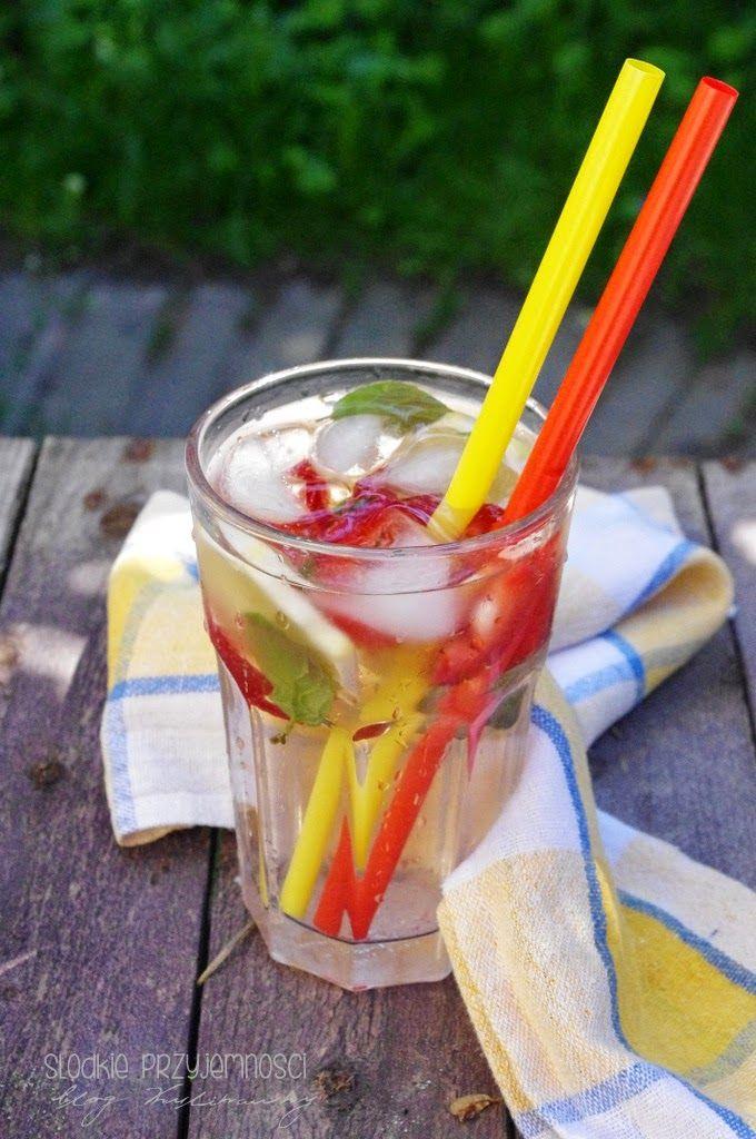 Lemoniada truskawkowa z bloga Słodkie Przyjemności