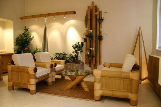 Стол и стулья из круглого бамбука