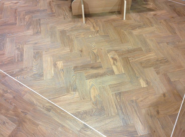 Mflor water oak. Cut and re beveled to make the parquet look.