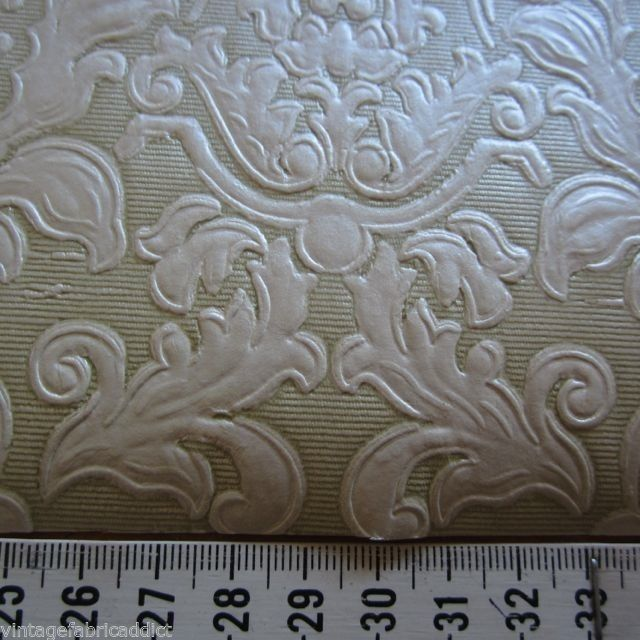 1x ALMOST FULL ROLL VINTAGE DAMASK EMBOSSED 1960S RETRO ORNATE WALLPAPER CREAM
