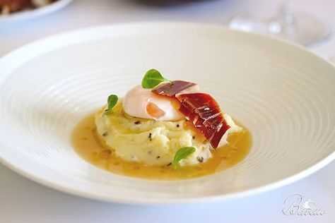 Crema de patata trufada, huevo y jamón Joselito