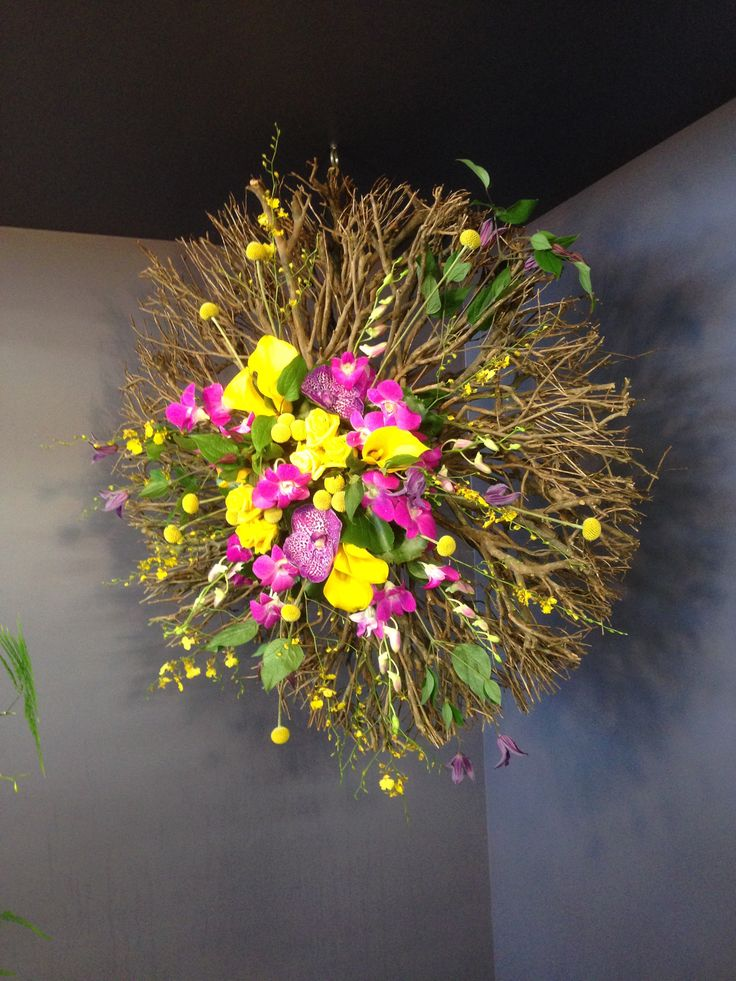 #Vanda #Dendrobium #Onicidium #Calla #Craspedia #Clematis #Willow Wheel