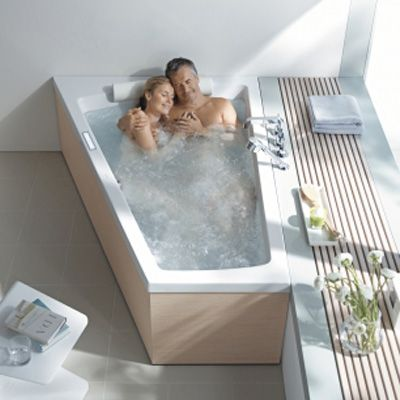 The Paiova Bathtub with One Backrest Slope Left will add comfort and a pump up the romance in the modern bathroom. http://www.ybath.com/blog/building-a-modern-bathroom-for-two/ #YinTheWild