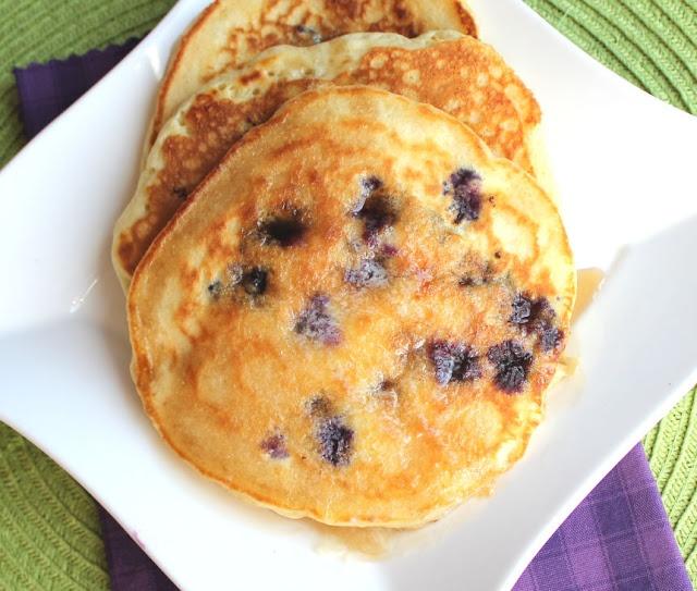 Lemon Blueberry Pancakes from @jamiecooksitup: Wise Cooking, Jamie Cooking, Cinnamon Almonds, Jamiecooksitup, Breakfast Food, Favorite Recipes, Lemon Blueberry Pancakes, Lemon Blueberries Pancakes, Favorite Breakfast