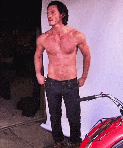 Luke Evans first caught my eye playing the hottest handyman I've ever set eyes on in Tamara Drewe and, if I'm being honest, how could he not have!?In Dracula Untold, t...