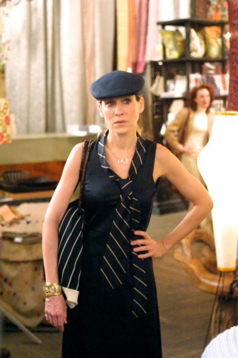 3 of Carrie Bradshaw's Most Bonkers Summertime Outfits, Ever!