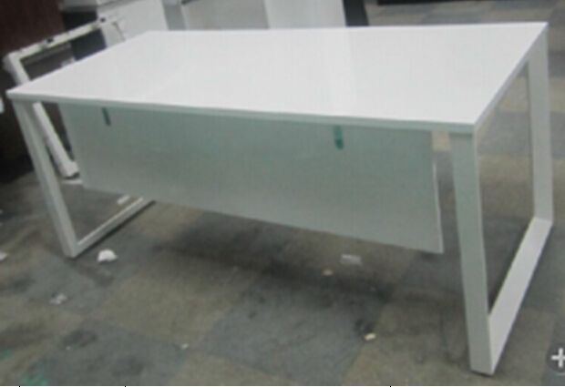T10 & T12 Desk 1200 x 800 White Top with White Frame