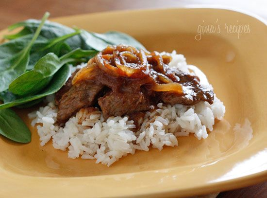 Carne Bistec - Colombian Steak with Onions and Tomatoes #lowcarb