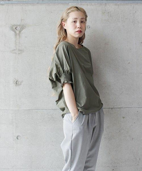 nitca(ニトカ)の○c/si シャーリング袖BL(シャツ/ブラウス) カーキ