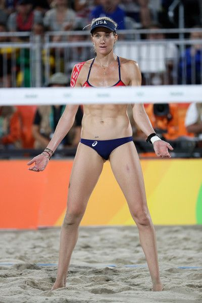 Kerri Walsh Jennings Photos - Kerri Walsh Jennings reacts playing with April Ross of the United States during the beach volleyball Women's Semi final against Agatha Bednarczuk Rippel and Barbara Seixas De Freitas of Brazil on Day 11 of the Rio 2016 Olympic Games at the Beach Volleyball Arena on August 16, 2016 in Rio de Janeiro, Brazil. - Beach Volleyball - Olympics: Day 11