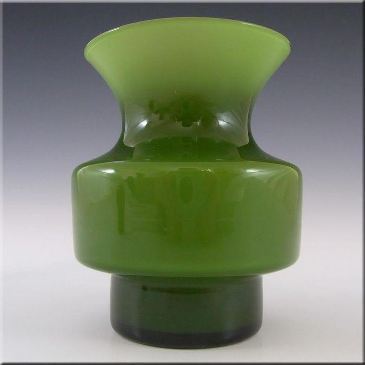 Lindshammar Gunnar Ander Swedish Green Glass Vase - £30.00