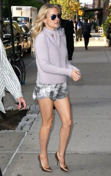 Kate Hudson Photos Photos: Kate Hudson Shows Some Leg In ...