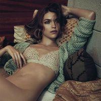 Lo que las sábanas de seda pueden hacer por tu pelo (y otros productos capilares que actúan de noche)   Vogue