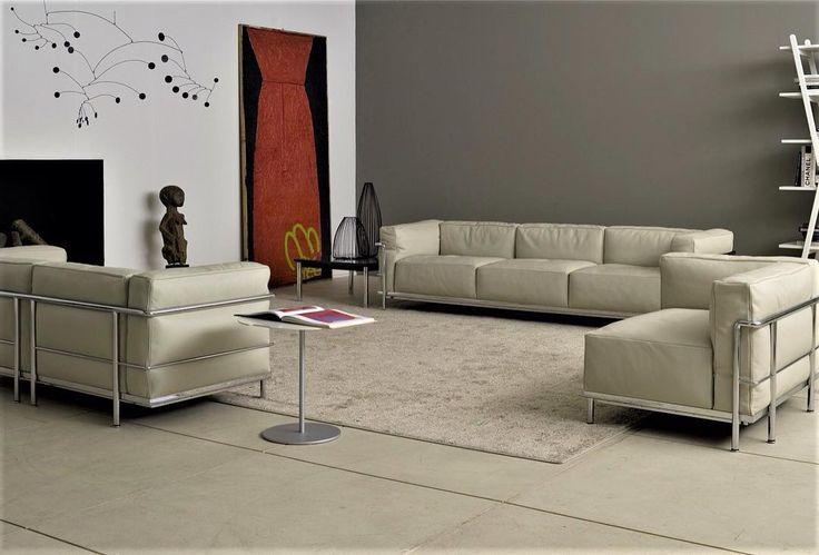 #TeVoyAContarQue este sofá tuvo gran éxito cuando se presentó en 1929 en el Salon d'Automne de París donde se encontraron los más importantes estilistas, diseñadores, artistas y arquitectos de aquella época. #SofáLC3 #LeCorbusier #NativaInteriorismo #MueblesDeDiseño  www.nativainteriorismo.com.mx