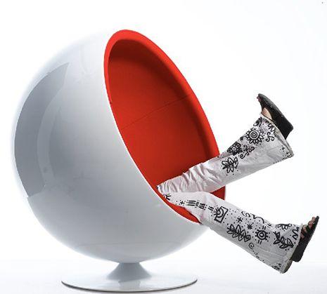 Cradle Yourself In Retro Futurist Comfort: Eero Aarniou0027s Ball Chair