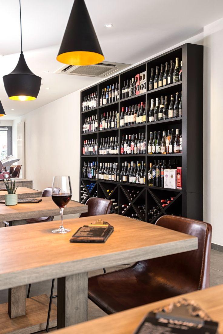 Totaalinrichting Wijnbar - Custom wijnkast - In-house design - Contemporary craftsmanship - #WoonTheater