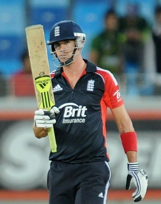 Pakistan's bowling attack filled comprising of 5 spinners didn't trouble Pietersen as he scored his 2nd hundred in as many matches. Expect plenty of runs from him in Sri Lanka.