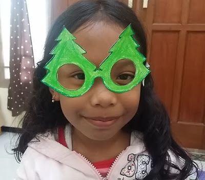 untuk anakanak sekolah minggu: Membuat Kacamata dari Kertas.