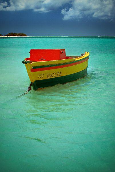 Solo Boat in Aruba Baby Beach, Southern Aruba, Caribbean