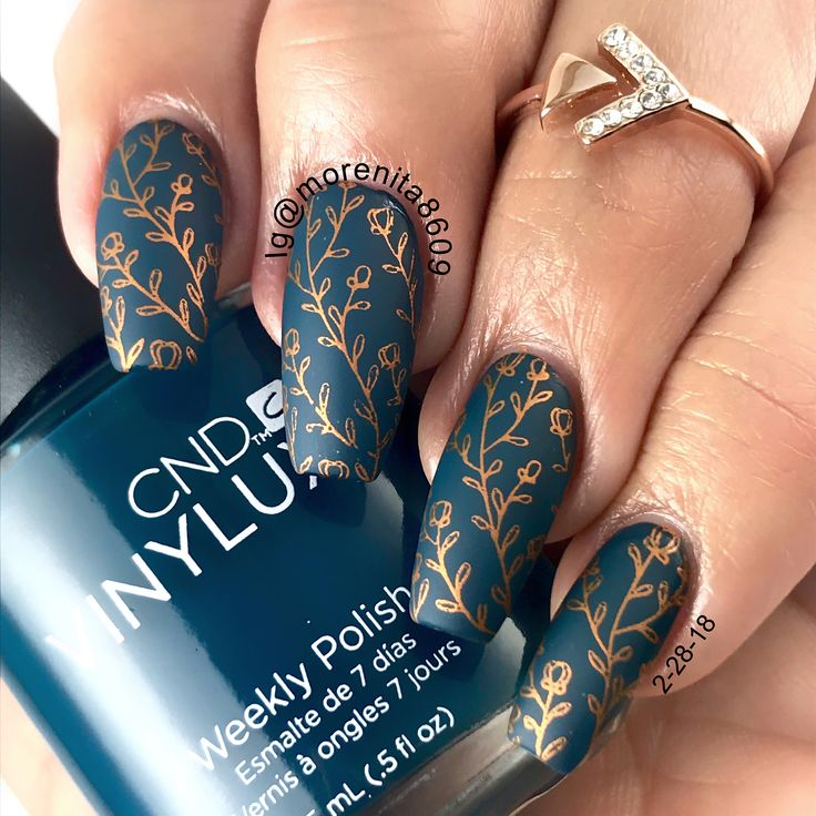Stunning color combo ❤️  #nails #nailart #nailstyle #sexynails #diseñodeuñas #style #fashion #uñasestampadas #mattenails