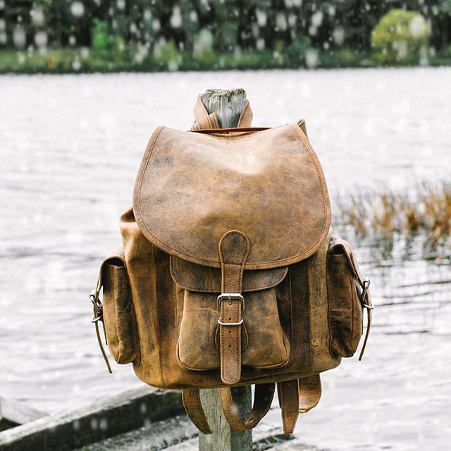 Winter Adventure More. #backpack #rucksack #leatherbags #myscaramanga #scaramangauk .  #winter #adventure #rustic #outdoors #outdoorslife #outdoorslover #leatherbackpack #leatherrucksack #leatherwork #leatherbag #leathercraft #leathergoods #leather #manbag #mensfashion