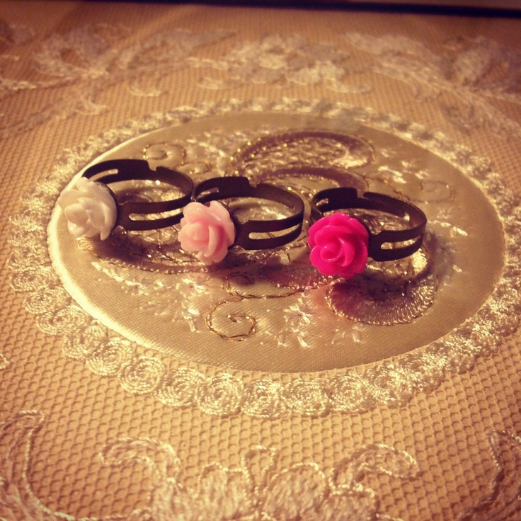 Flower Rings via WishStrings. Click on the image to see more!