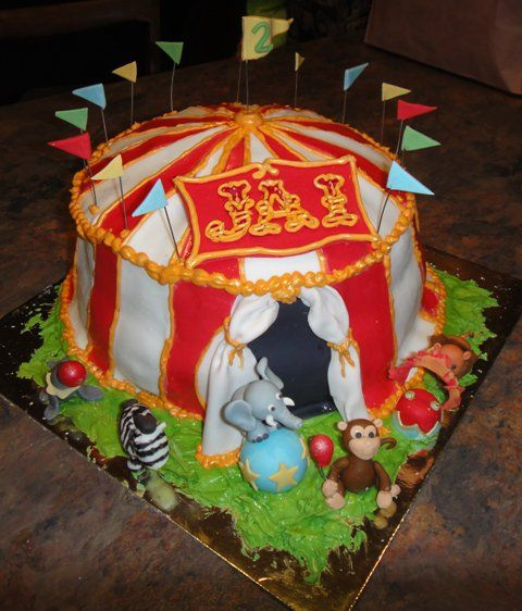 Circus tent cake with fondant animals & 34 best Circus Cake images on Pinterest | Anniversary cakes ...