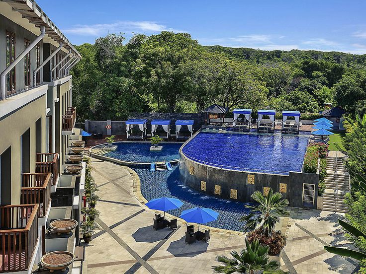MERCURE BALI NUSA DUA: Mercure Bali Nusa Dua hotel is situated in Nusa Dua, close to the prominent Indonesia Tourism Development…