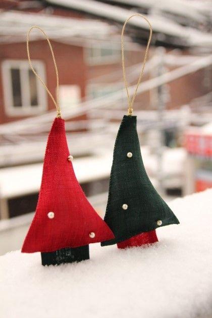 이웃님들 안녕하세요~~~^^ 오늘은 넘 추운 월요일이네요~~ 규방에서 며칠전, 크리스마스 소품들을 만들어보...