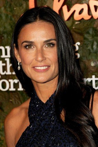 The Hottest Long Hairstyles & Haircuts For 2014 - Demi Moore