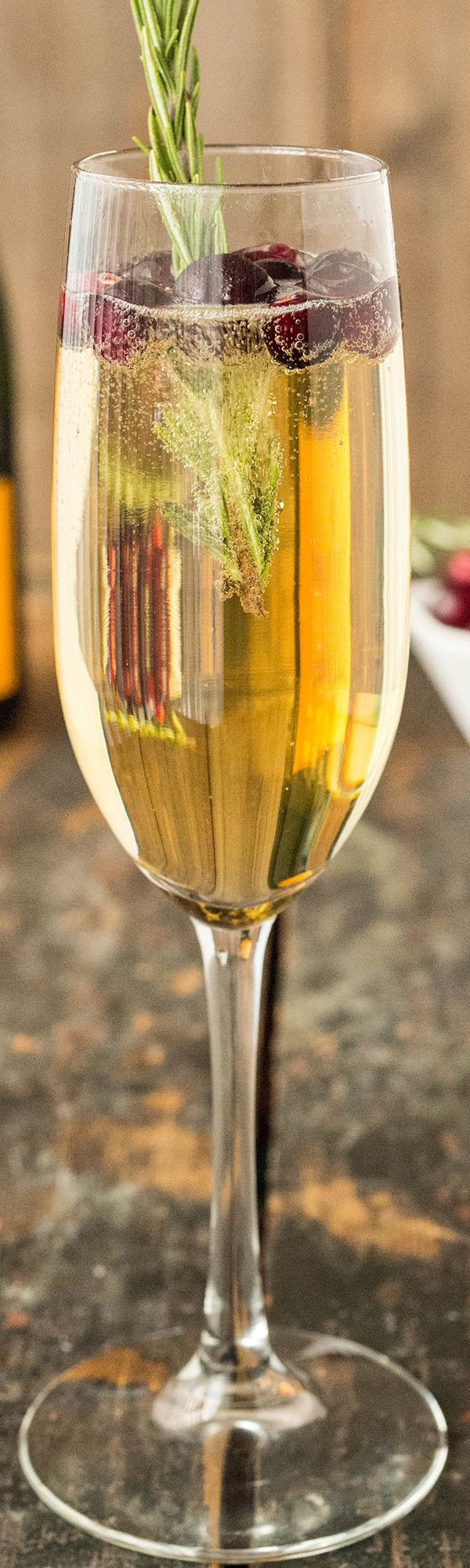 4 Different Ways to make Fall Mimosas. Perfect Thanksgiving drink recipes!