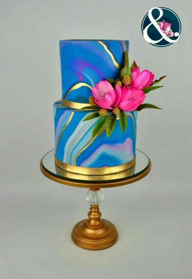 Beautiful modern blue and gold metallic #weddingcake inspiration