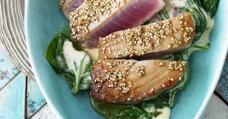 Gebratener Thunfisch mit Sesam und Spinat ist ein Rezept mit frischen Zutaten aus der Kategorie Blattgemüse. Probieren Sie dieses und weitere Rezepte von EAT SMARTER!