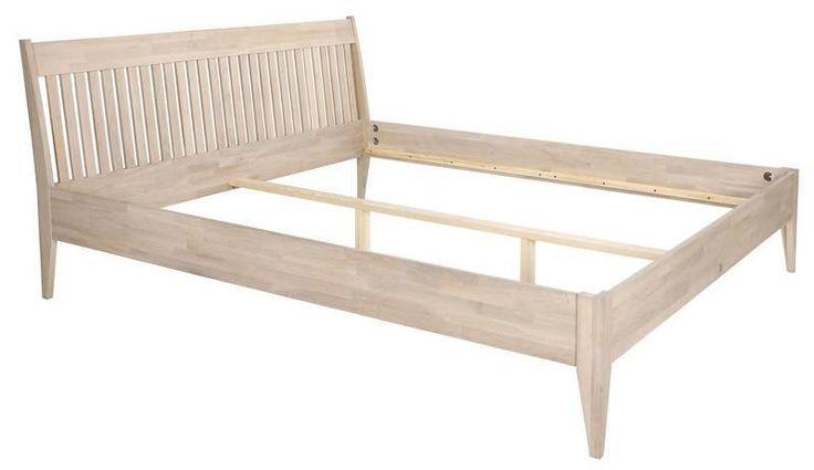 Mayflower+Sengeramme+-+160x200+-+Klassisk+dobbeltseng+i+nordisk+stil.+Sengerammen+er+fremstillet+i+egetræ+og+har+en+flot+sengegavl+med+tremmer.+Pift+soveværelset+op+med+denne+flotte+seng.+Obs.+lameller+og+madras+medfølger+ikke,+men+kan+tilkøbes.+++