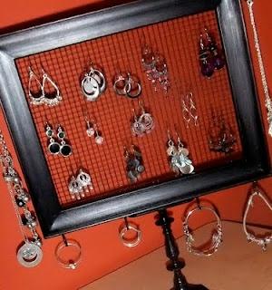 DIY jewelery organizer!: Crafty Stuff, Diy Jewelry Holder, Earring Holders, Picture Frames, Craft Ideas, Earrings