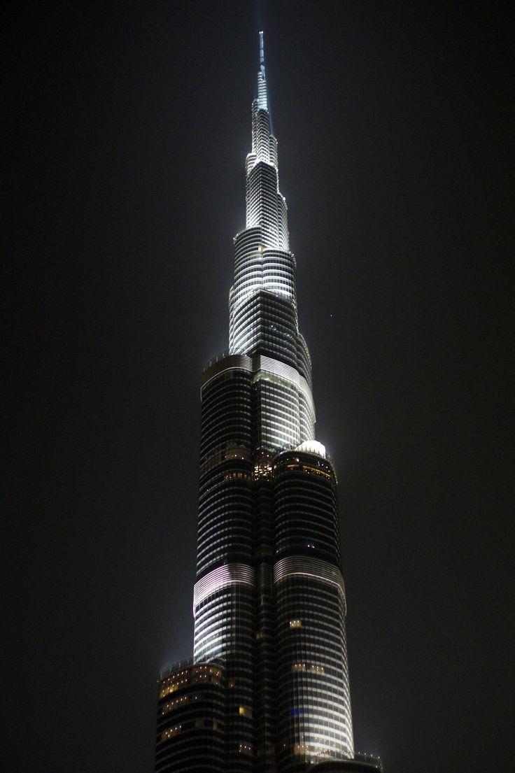 Burj Khalifa at night #dzendrus #night #dubai #emirates #burjkhalifa #travel #traveler #traveling #travelblog #travelblogger #podróże